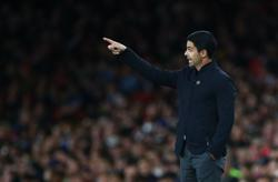 Soccer-Arsenal did not show composure in Palace draw, says Arteta