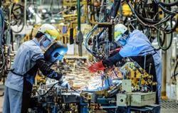 Vietnam electronics and apparel sectors facing 50% worker shortages