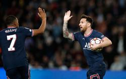 Soccer-Mbappe-Messi double act earns PSG comeback win against Leipzig