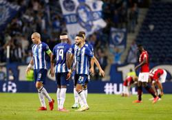 Soccer-Dazzling Diaz hands Porto victory over frustrated Milan