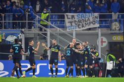 Soccer-Inter inflict first Champions League defeat on debutants Sheriff