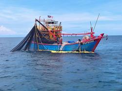 MMEA seizes fishing boat, one tonne of fish off Mukah, Penang
