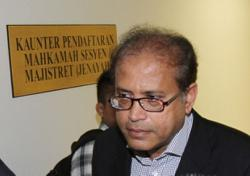 Senior corporate lawyer freed of four insider dealing charges