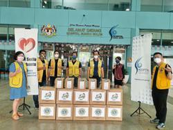Club gives medical supplies to Hospital Sungai Buloh
