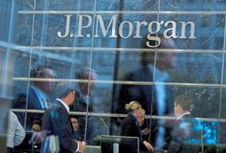 CEO boosts JPMorgan wealth advisers' pay