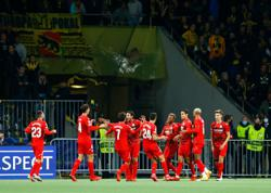 Soccer-Birthday boy Pino helps Villarreal thump Young Boys