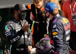 Motor racing-Hamilton and Verstappen close on track, distant off it