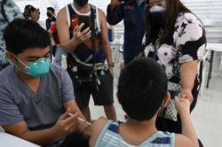 Manila begins vaccinating minors 12 to 17 years old