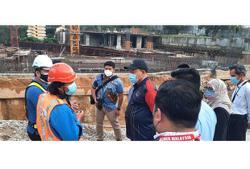 FT Minister visits sinkhole site in Sri Hartamas