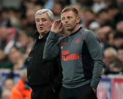 Soccer-Jones to remain in interim charge for Newcastle's next two games