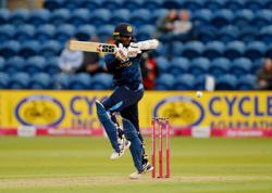 Cricket-Sri Lanka are a better side than Bangladesh, says captain Shanaka
