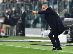 Soccer-Allegri says title favourites Inter are an important test for his Juve side