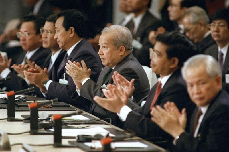 Democracy still languishes 30 years after Cambodia peace deal in Paris