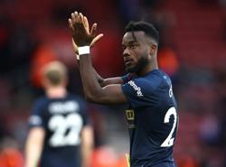 Soccer-Cornet double earns Burnley 2-2 draw at Southampton