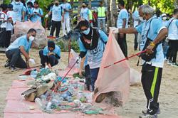 Ploggers collect kilos of trash, but jog few kilometres