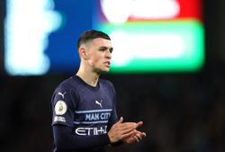 Soccer-Man City's Foden enjoying life on the wing as goals continue to flow