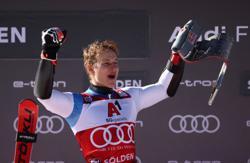 Alpine skiing-Odermatt wins first men's giant slalom of season