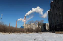 China aims to cut fossil energy use to below 20% by 2060