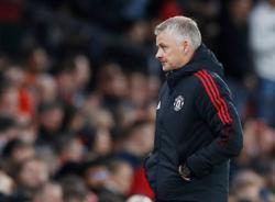 Soccer-'I do believe in myself': Solskjaer says after Liverpool thrashing