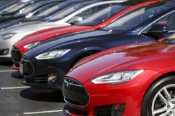 Tesla submits partial response in U.S. auto safety probe - memo
