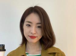 Korean actress Lee Yeon-hee met her husband on a blind date