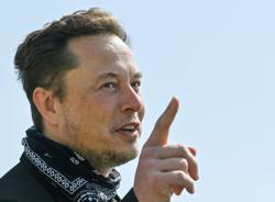 Tesla's $1 trillion value a double bonanza for Musk