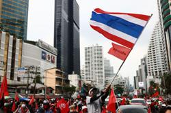 Thailand protests fade but the hardcore battle on