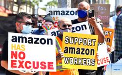 Organisers take first step to unionise at Amazon New York warehouse