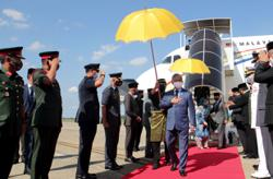 Agong and Permaisuri arrive home safely