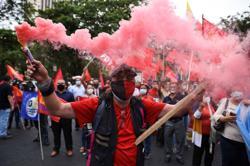 Ecuador demonstrators block some roads, dozens arrested