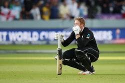 Cricket-New Zealand's Guptill an injury doubt for India clash