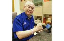 Dr Wee dons full BN attire to attend launch of party machinery for Melaka elections