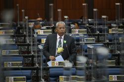 Govt has no power to remove 50sen commission charge on Astro bill payments at post offices, says Annuar