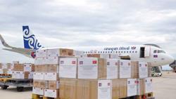 Cambodia donates 200,000 Covid vaccines to Vietnam