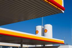 Shell sets tougher climate targets, Q3 profit below expectations