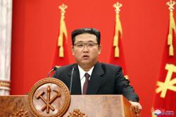 Slimmer Kim Jong-un not using body double, says S. Korean spy agency